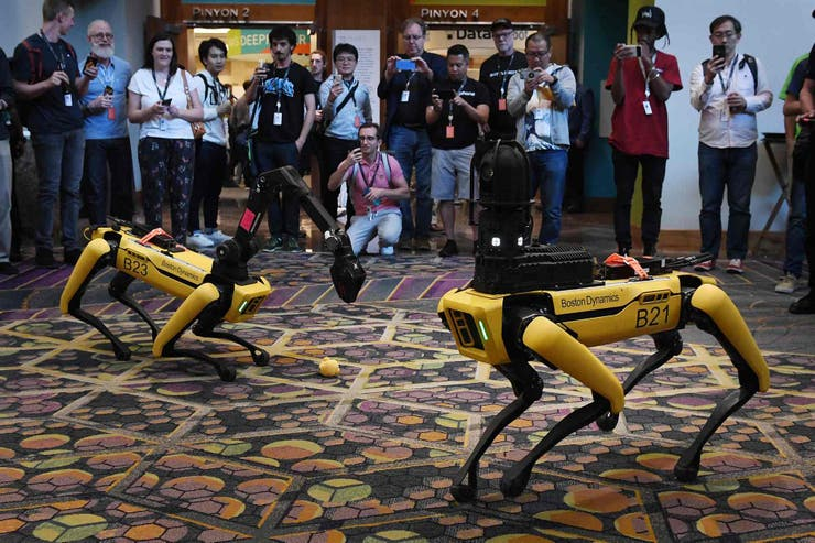 Robot Spot Mini con forma de perro de Boston Dynamics
