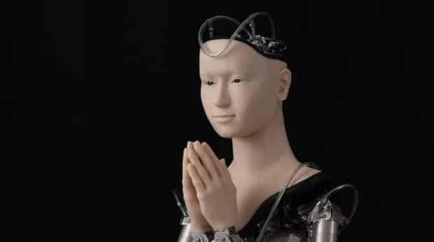 foto robot humanoide japones Mindar que es un androide sacerdote creado por Hiroshi Ishiguro