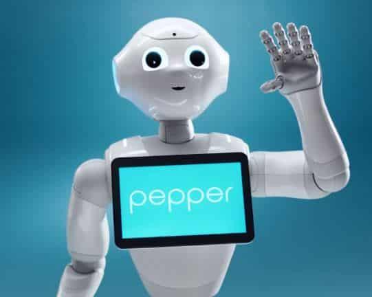 🥇 Historia del robot PEPPER, precio y cómo programarlo