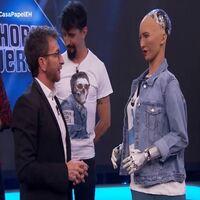 robot sophia visita y aparece en el hormigero y habla con Pablo Motos