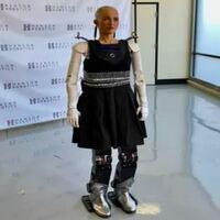 todo sobre el robot sophia amprende a andar
