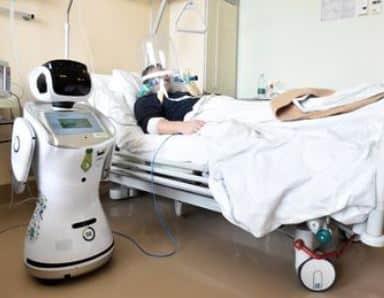 Tommy el robot enfermero contra el coronavirus