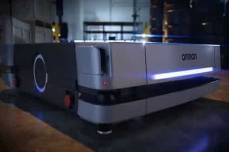 robot Omron HD-1500