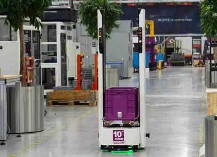 Los AGV de ASTI InSystems automatizan la logística de VACOM