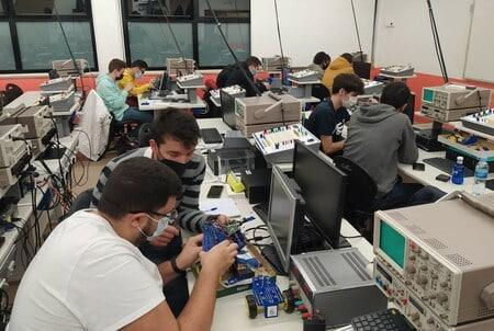 Del robot pedagógico al robot industrial. Integración real de proyectos educativos
