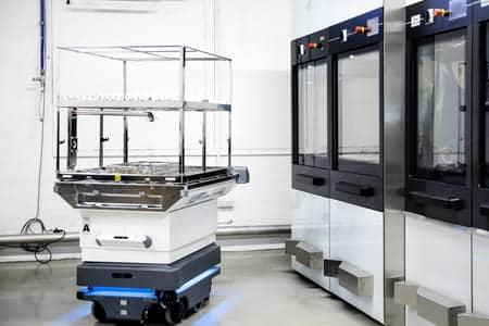 Solución robótica móvil de MiR para el transporte de material a esterilizar