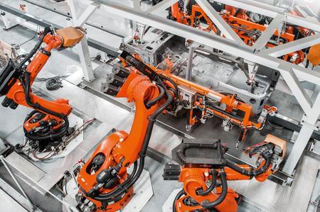 KUKA amplía contrato de colaboración de 100 años con fabricante de coches