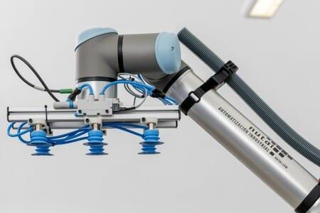 UR, Festo y Nutai crean una solución que mejora la movilidad de los cobots