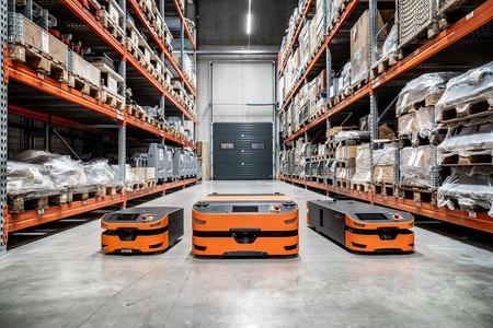 El nuevo AGV L1 de SAFELOG levanta cargas de hasta 1500 kg