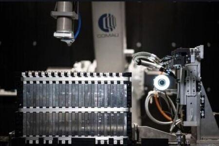 COMAU multiplica x6 la producción de una fábrica de baterías de litio