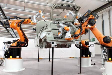 Robots colaborativos para pintar chapas y metales